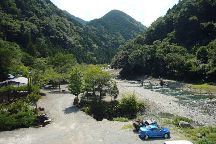 神之川キャンプ・マス釣り場